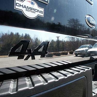 Ford F150 Chrome Tailgate Trim With 4x4 Cut Out 2004