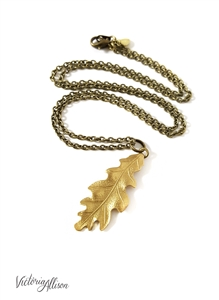 Small Brass Leaf Necklace, Oak Leaf, Antiqued Brass Chain, Fall Statement Jewelry, Leaf Jewelry