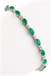 OVAL EMERALD AND DIAMOND BRACELET IN 18K WHITE GOLD