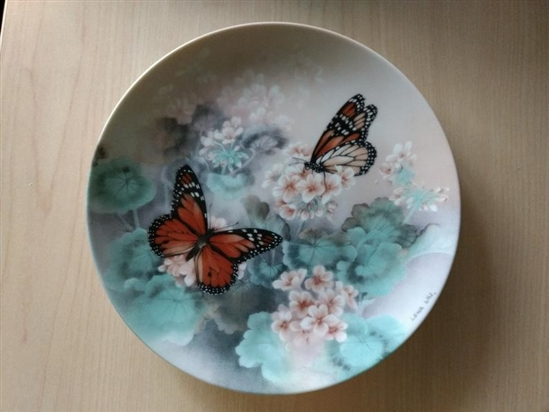 Butterfly Collector Plate Vintage Monarch Butterflies by Lena Liu on W.S. George Fine China - 1988