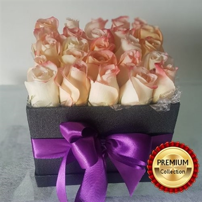 LUXURY PEACH ROSES IN BOX