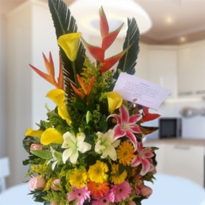 Mixed flowers arrangement