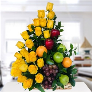 24 Yellow roses with fruits