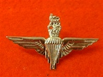 PARA Beret Badge ( Parachute Regiment Metal Beret Badge ) Queens Crown
