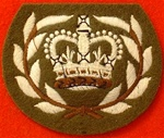 WO2 BADGE WITH WREATH