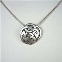 Medium Interlace Circle Necklace