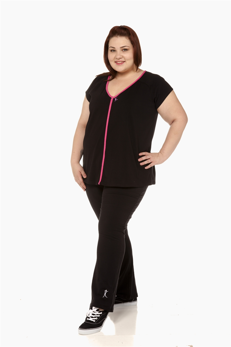 Fabletics plus size activewear & workout clothes for women include plus size leggings, yoga pants, sports bras, tank tops, complete outfits and more.