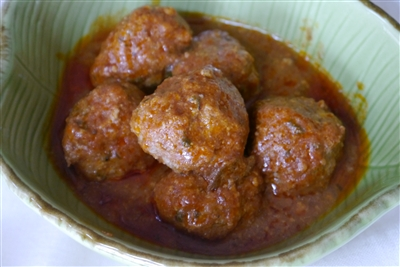 Tuscan Red sauce with Meatballs