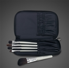 On The Go Brush Set