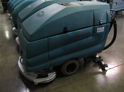 Tennant 5680 floor scrubber