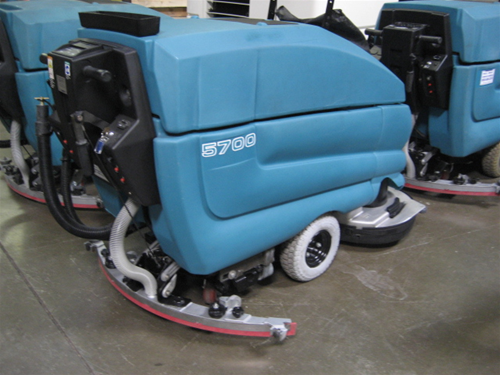 Tennant Floor Scrubber Reconditioned - Floor scrubers