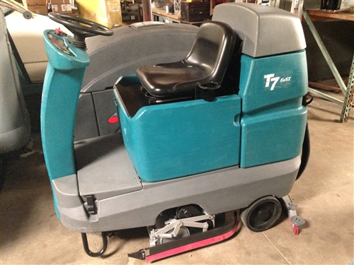 Superb Tennant T7 Floor Scrubber