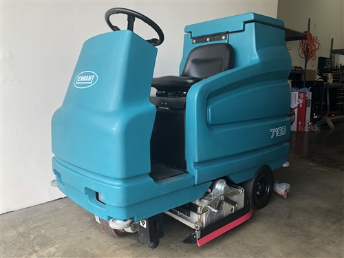 Used Tennant 7100 Floor Scrubber Micro Rider Tennant 7100