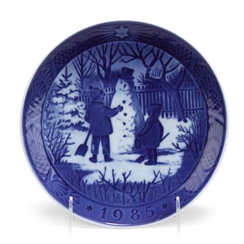 Royal Copenhagen Christmas Plates.Christmas Plate By Royal Copenhagen Porcelain Decorators Plate The Snowman