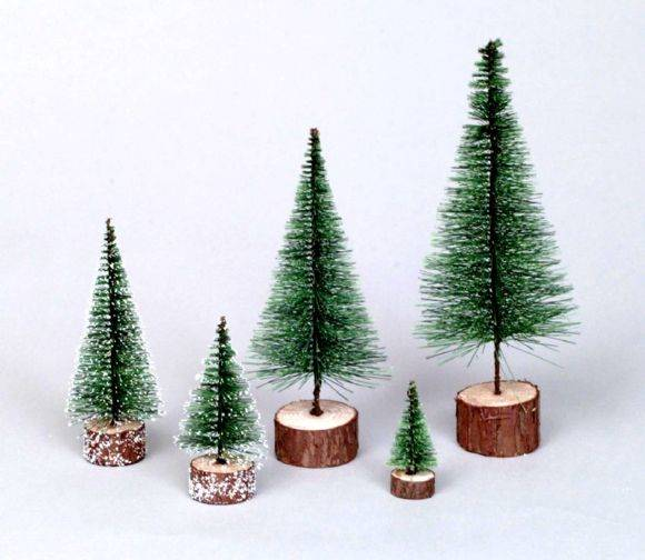 "5"" Green Village Tree"