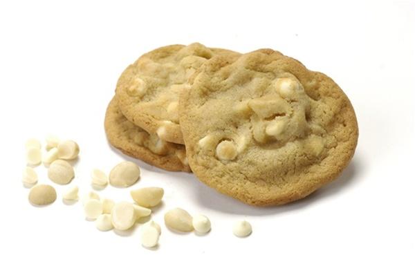 Best Ever Macadamia Nut White Chocolate Cookies