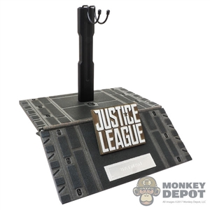 Stand: Hot Toys Justice League Batman Figure Display