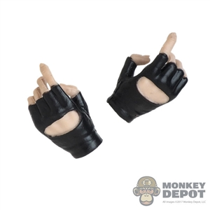 Hands: VS Toys Female Molded Fingerless Weapon Grip