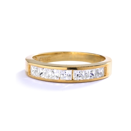 0.70 ct elegant band princess cut diamond ring in yellow gold