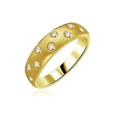 gold band-staggered round bazel set stones