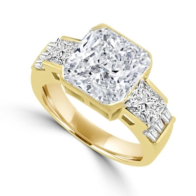 Ring - square cut diamond with baguettes on side