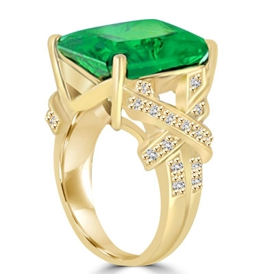 Diamond Essence emerald-cut Emerald stone of 10.00 carat set in a raised setting of 14K Solid Gold, with a stylish twist of small stones on shank. 10.75 cts.t.w. (Also available in 14K Gold Vermeil, Item#VRD170).