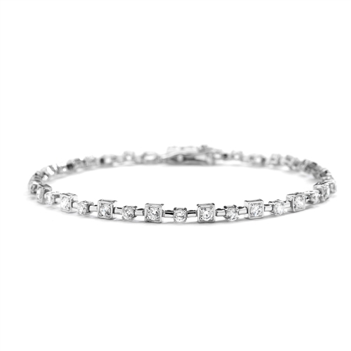 "7"" long, Lovely formation of round stones set in alternate prong and square bezel setting. A unique piece to match your personality - 4.0 Cts. T.W."