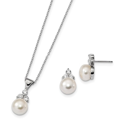 Diamond Essence Pearl Set with Round Brilliant Stones, 1.0 Cts.t.w. set in Platinum Plated Sterling Silver.
