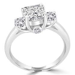 round-cut Diamond with 2 secret stones in sterling silver ring