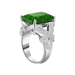 11-carat Diamond Essence Silver emerald ring