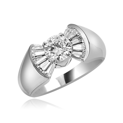 0.75ct Flaunt off round sits atop ring in silver