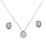 Diamond Essence Mother of Pearl Earring & Pendant in 14k Platinum Plated Sterling Silver  bazel setting-SSET414MP