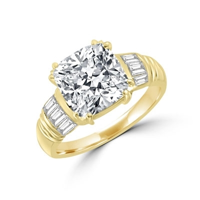 Ring – cushion cut stone with baguettes