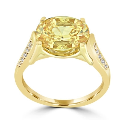 ring with 4ct canary diamond and mellee on sides