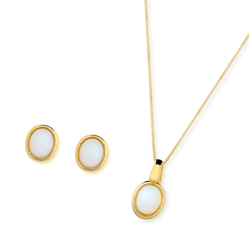 Diamond Essence Mother of Pearl Earring & Pendant in 14k gold plated over Sterling Silver- VSET422MP