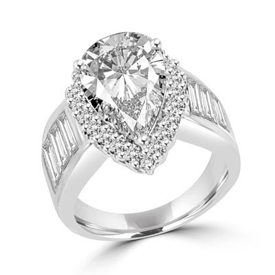 4ct pear cut diamon & baguettes in white gold ring