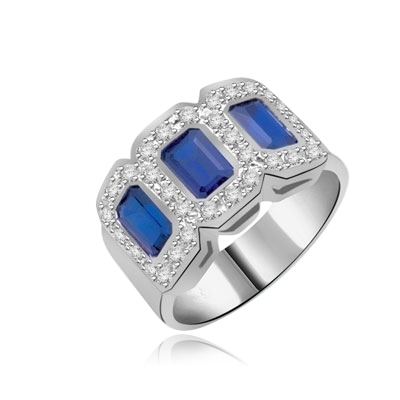 triplet ring with 3 Sapphire stones white gold