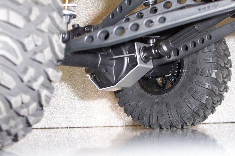 AMF Racing Axial Wraith Aluminum Differential Protector (Wraps Around  Pinion)