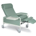 Winco XL Care Cliner (Steel Casters)