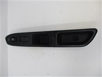 2003 to 2008 Forester RH Passenger Front Window Switch and Bezel 94266SA020
