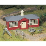 Bachmann 45611 O Plasticville U.S.A. Classic Kits School House w/PlayGround Equipment