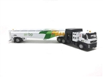Iconic Replicas 870109 HO Esterer Aviation Fueling Tanker Assembled BP Aviation