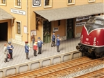 Noch 12900 TT On the Platform w/Scene Sound Module German Railroad Personnel Pkg 6