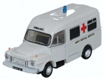 ODUNBED006 Oxford Diecast USA N Bedford Ambulance Army MS 553-NBED006