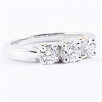 Three diamonds with 1ct tw 14K white gold
