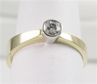 Bezel Solitaire in Graduating 14K TT  Band