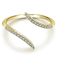 Gorgeous 14K yellow gold ringwith .11ct total diamond weight.