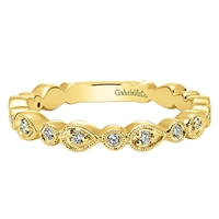 Diamond ring with .19ct total diamond weight in 14K yellow gold