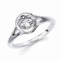 Shimmering diamonds ring in sterling silver.