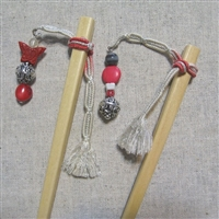 """Pretty Girl"" - Pair of Himo Hairsticks"